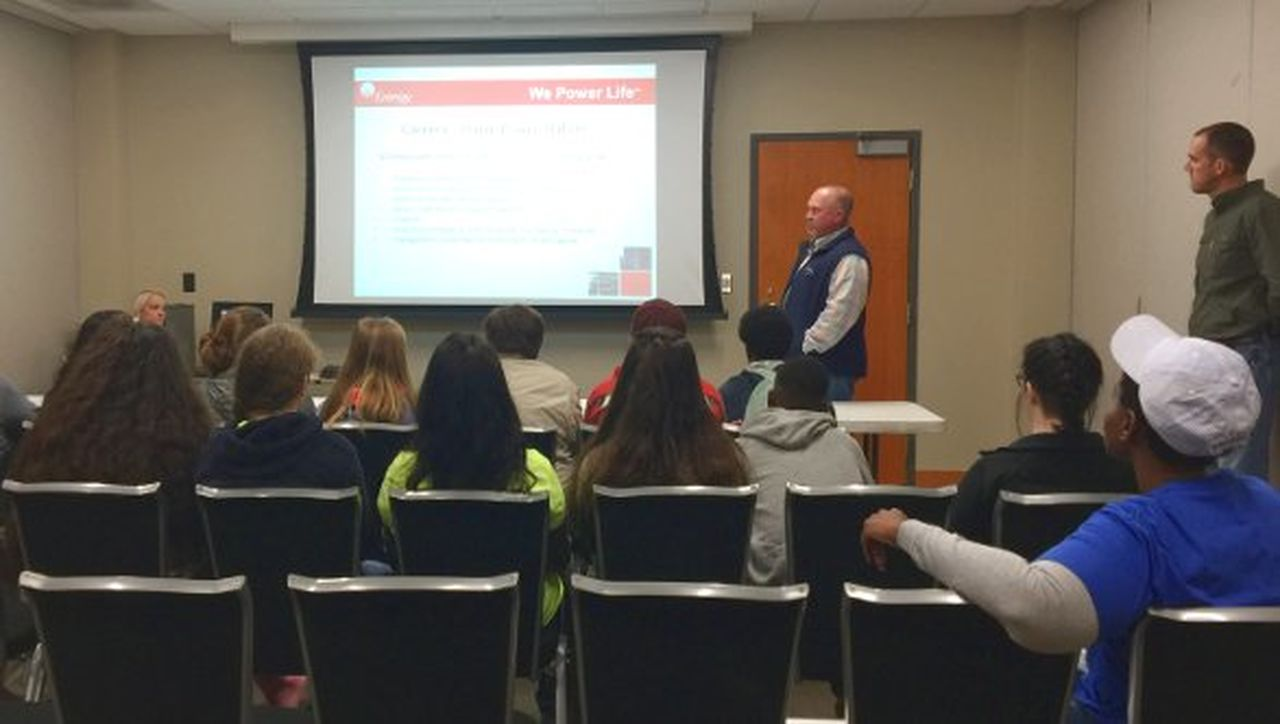 Entergy employees discussed Union Power Station operations and Entergy career paths during Manufacturing Day.