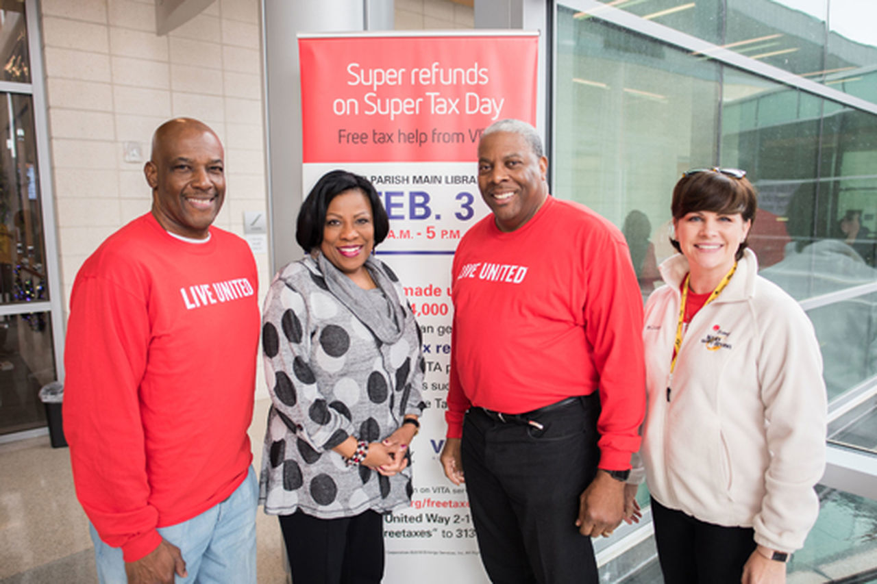 Entergy Volunteers Continue to Support Super Tax Day Events in Louisiana