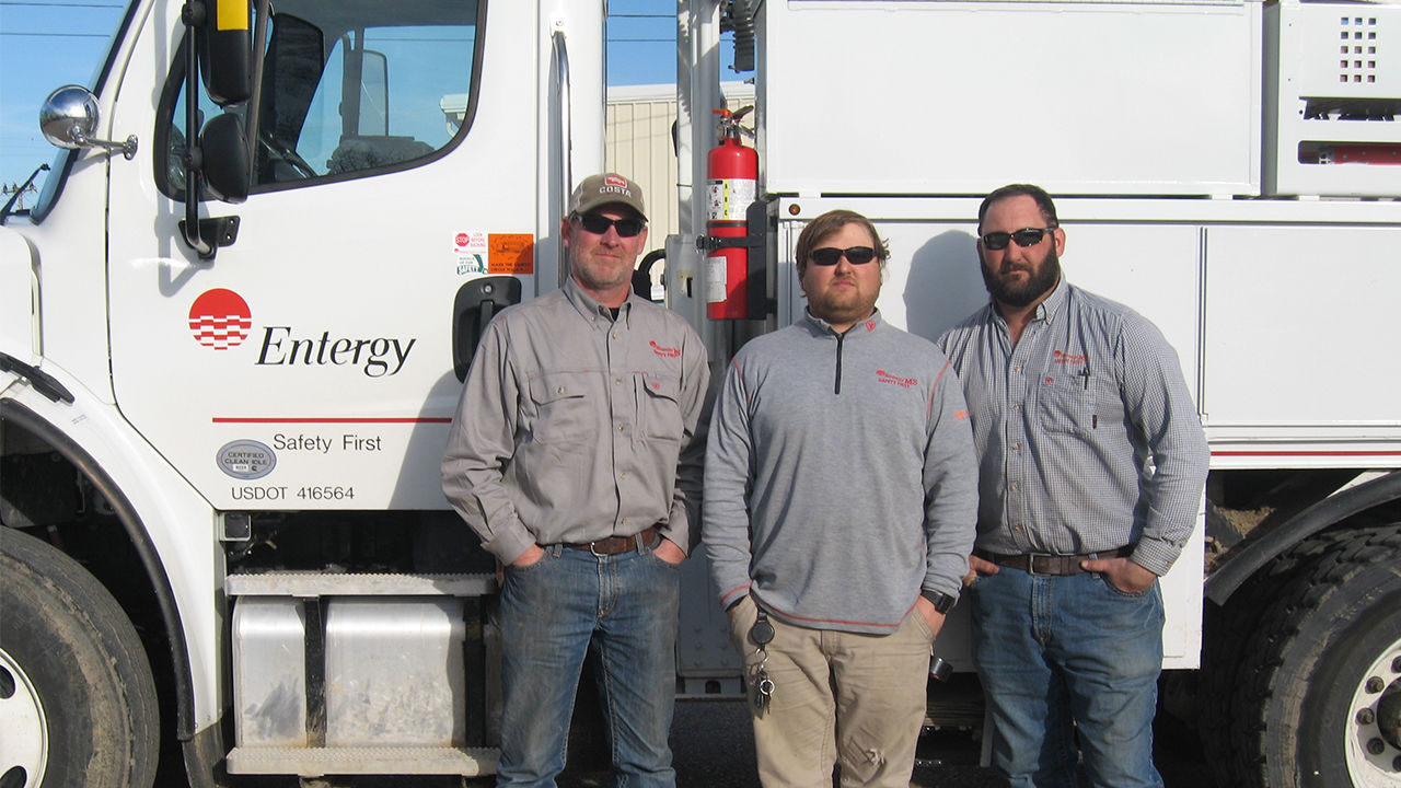 A safety mindset and quick thinking help Cleveland linemen Kevin Rogers, Nathan Enriquez and Justin Griffin save a stranded motorist