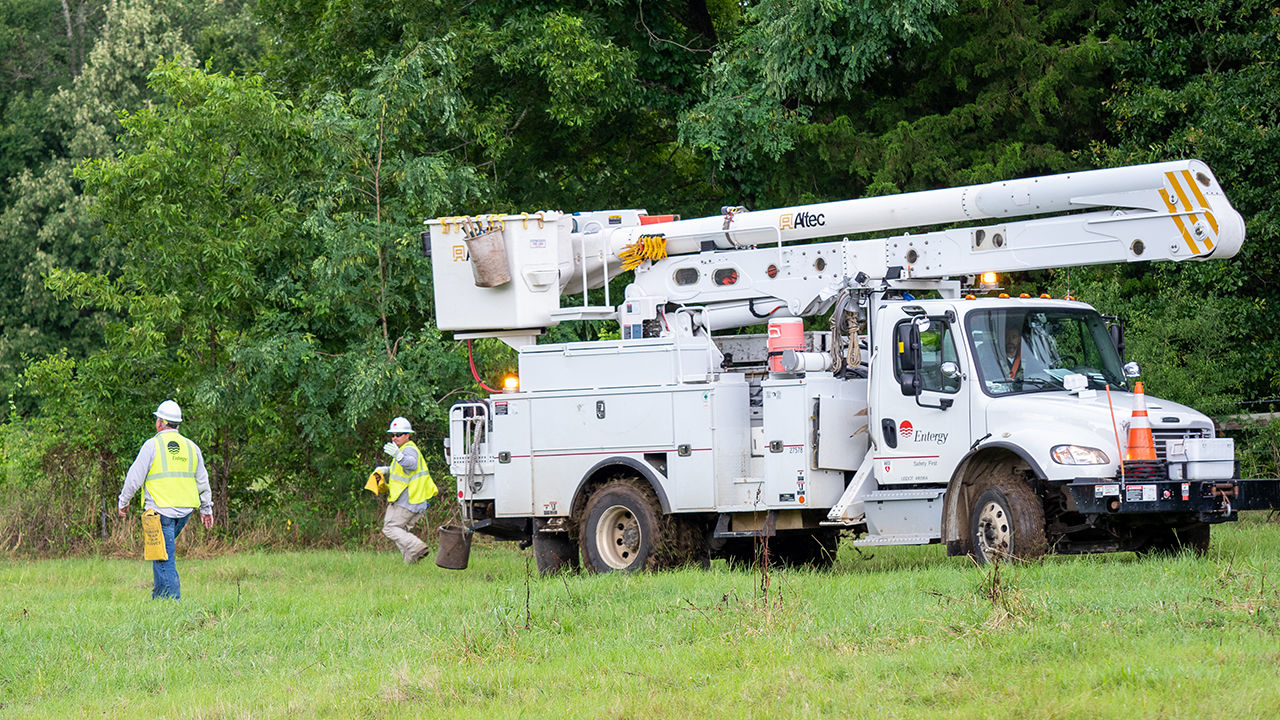 Crews work to restore power near Canton, Mississippi.