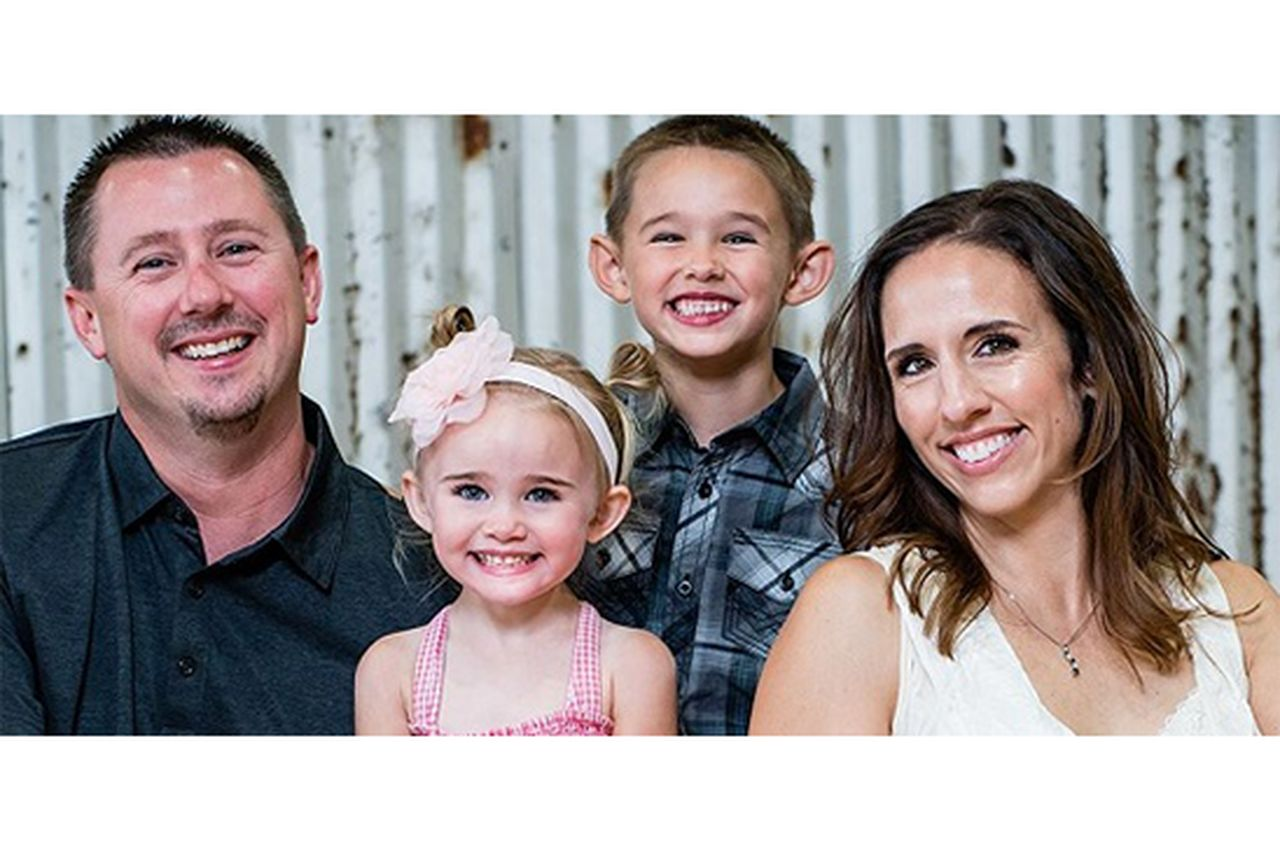 Kami with her husband, Jarrod, daughter, Dakota and son, Wyatt.